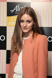 Olivia Palermo stuck to what she does best: straight and sleek hair.