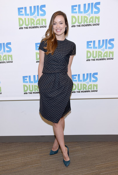 Olivia Wilde teamed her dress with a pair of Casadei Blade pumps in petrol blue.