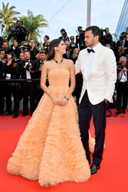 Sara Sampaio looked lovely in a strapless orange ballgown by Georges Hobeika Couture at the 2019 Cannes Film Festival screening of 'Once Upon a Time in Hollywood.'