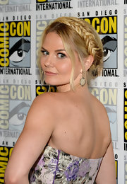 Jennifer's fishtail Heidi braid topped off her super romantic look at Comic-Con.