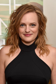 Elisabeth Moss went for an edgy-chic wavy hairstyle during the NYC screening of 'The One I Love.'