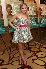 Lenay Dunn went for a sweet prom-girl feel in a sweetheart-neckline, strapless print dress with a pink belt during the NYC screening of 'The One I Love.'