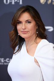 Mariska Hargitay looked lovely wearing this feathered flip at the 2018 Monte Carlo TV Festival opening ceremony.