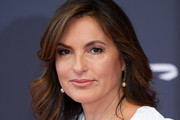 Mariska Hargitay Feathered Flip