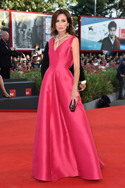 Nieves Alvarez was simply stunning in a magenta Alberta Ferretti gown during the Venice Film Festival opening ceremony.