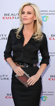 Jenny McCarthy paired her all-black ensemble with a gunmetal gray polish.