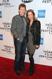 Denis Leary styled up his shirt-and-jeans ensemble with an elegant gray suede jacket.