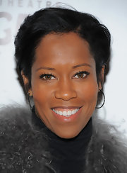 Regina King was fresh-faced at the opening of 'Wicked' with this breezy short side-parted cut.