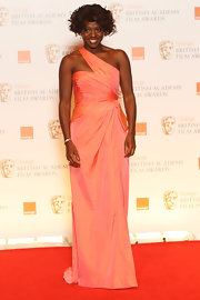 Viola Davis looked like a dream in this tangerine taffeta dress with an iridescent sheen.