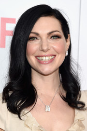 Laura Prepon looked sweet at the 'Orange is the New Black' FYC screening wearing this side-parted 'do with wavy ends.