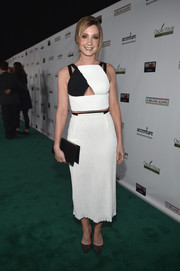 Joanne Froggatt was trendy-sexy at the Oscar Wilde Awards in a Roland Mouret monochrome crop-top with a cleavage-flashing cutout.