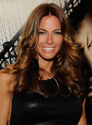 Kelly Bensimon showed off her '70s style feathered mane. Somehow the retro hair-do has never faded out of mainstream.