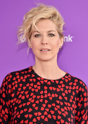 Jenna Elfman rocked tousled waves at the Express Yourself event.