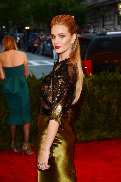 More Pics of Rosie Huntington-Whiteley Evening Dress (3 of 11) - Rosie Huntington-Whiteley Lookbook - StyleBistro