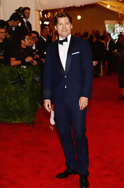 Nikolaj Coster-Waldau looked dapper when he donned this royal blue shawl-collar tux at the 2013 Met Gala.
