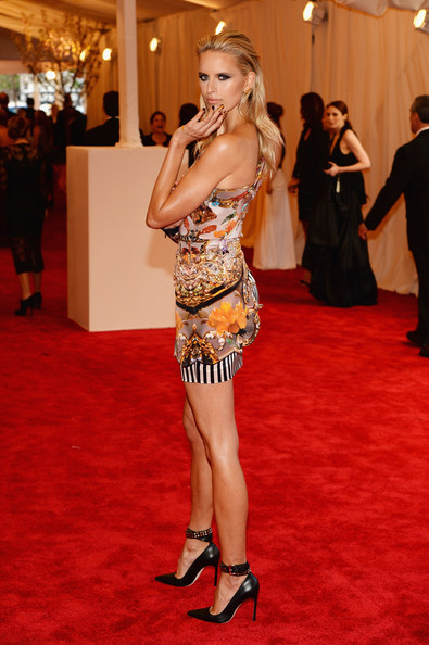 Karolina Kurkova in Mary Katrantzou
