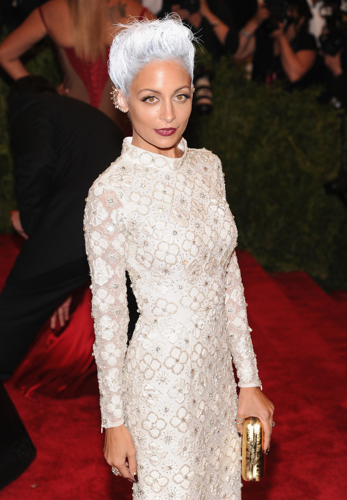Nicole Richie Gray Hair Don T Care 15 Celebrities With
