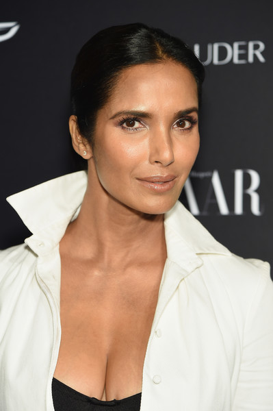 Padma Lakshmi Ponytail [hair,face,eyebrow,hairstyle,lip,beauty,skin,chin,forehead,cheek,carine roitfeld,estee lauder,stella artois - arrivals,icons,plaza hotel,harpers bazaar celebrates,saks fifth avenue,fujifilm instax,genesis,infor]