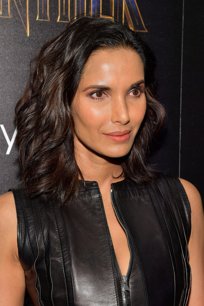 Padma Lakshmi Medium Wavy Cut [cinema society hosts a screening,black panther,hair,fashion model,beauty,human hair color,hairstyle,eyebrow,chin,long hair,black hair,brown hair,padma lakshmi,screening,tv personality,new york city,marvel studios,the cinema society]