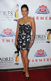 Constance Marie showed off a strapless printed dress which she paired with classic peep toe pumps.