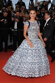 Penelope Cruz looked enchanting in a blue and white fit-and-flare gown by Chanel Couture at the 2019 Cannes Film Festival screening of 'Pain and Glory.'