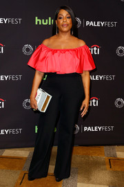 Niecy Nash looked girly in a magenta off-the-shoulder ruffle top while attending PaleyFest Los Angeles.
