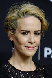 Sarah Paulson looked super cool wearing this tousled short 'do at the PaleyFest LA closing night presentation.