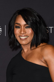 Angela Bassett looked effortlessly stylish with her textured bob at the PaleyFest LA closing night presentation.