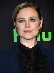 Evan Rachel Wood looked youthful and fresh-faced wearing this bob with the sides tucked behind her ears at the 'Westworld' panel during PaleyFest Los Angeles.