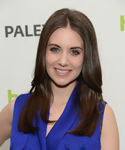 Alison Brie opted for a classic long layered cut for her 'do at PaleyFest 2013.