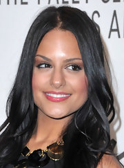 Pia Toscano wore sparkling pink gloss to the 'American Idol' event. Center part locks completed her look.