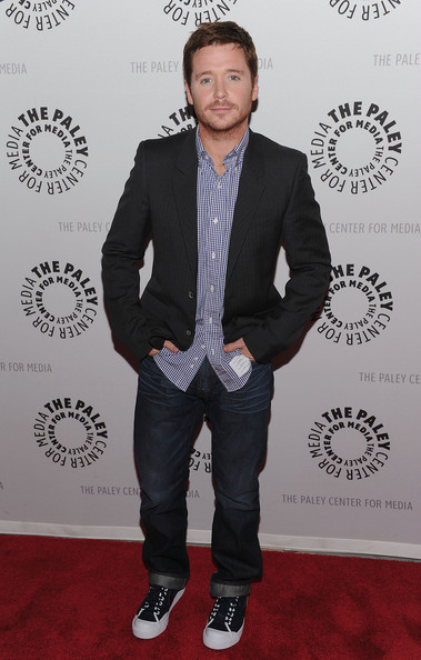 """Kevin Connolly added a casual look to his red carpet style wearing a pair of """"Walker"""" relaxed straight leg jeans."""