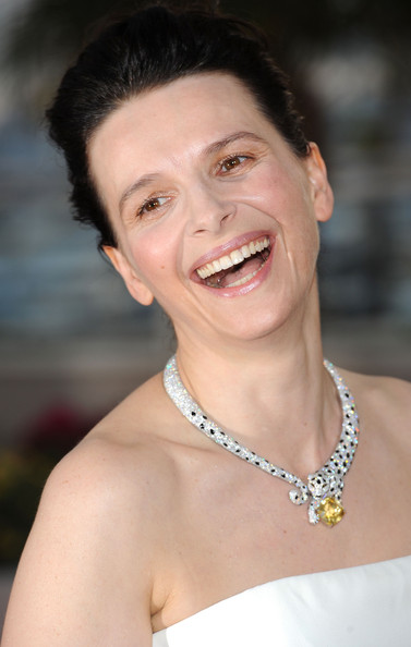 More Pics of Juliette Binoche Diamond Collar Necklace (1 of 28) - Diamond Collar Necklace Lookbook - StyleBistro