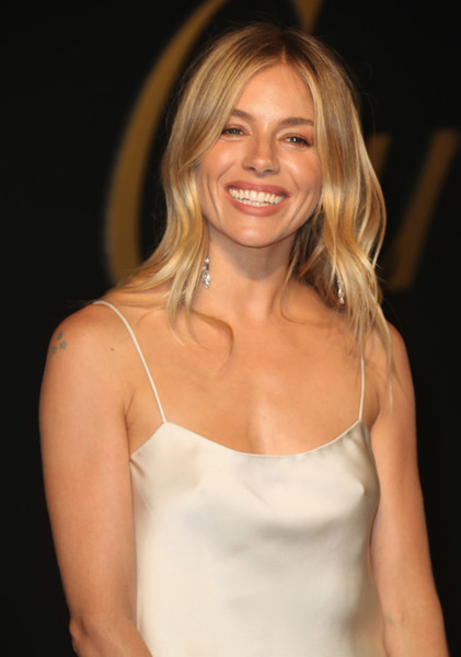 More Pics of Sienna Miller Tube Clutch (1 of 3) - Clutches Lookbook - StyleBistro [hair,blond,hairstyle,beauty,smile,long hair,brown hair,layered hair,dress,premiere,sienna miller,arrivals,la,california,panthere de cartier party,milk studios]