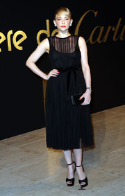 Haley Bennett paired her stylish dress with black platform sandals by Charlotte Olympia.