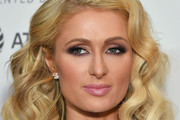 Paris Hilton Medium Curls