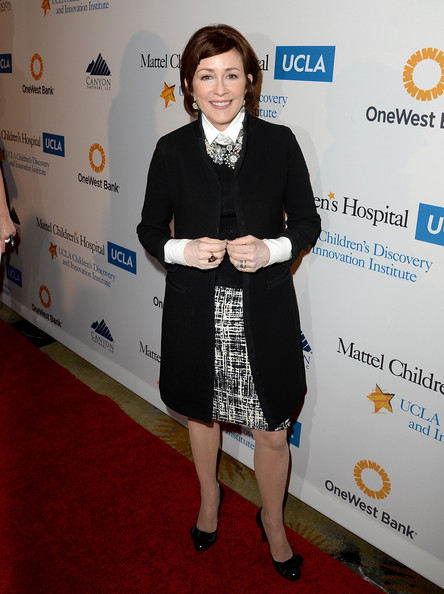 Patricia Heaton Knee Length Skirt