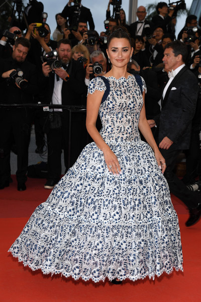 Penelope Cruz Princess Gown [fashion model,red carpet,dress,clothing,carpet,flooring,premiere,fashion,gown,hairstyle,penelope cruz,dolor y gloria,douleur et glorie,screening,cannes,france,red carpet,the 72nd annual cannes film festival]