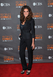 Daniela Ruah's fitted blazer had perfect lines.