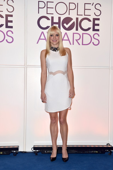 Anna Faris chose a cute and chic LWD with a bejeweled black collar and a sheer panel along the waistline for the People's Choice Awards nominations press conference.