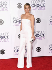 Kate Hudson was sleek and sophisticated in a strapless white jumpsuit by Stella McCartney at the People's Choice Awards.