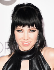 Carly Rae Jepsen channeled Joan Jett with this punky 'do at the People's Choice Awards.