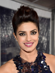Priyanka Chopra rocked an edgy-chic pompadour at the People's Choice Awards.
