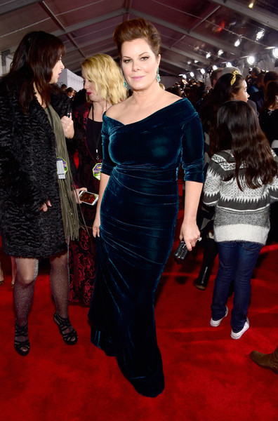Marcia Gay Harden kept it super classy in a fitted blue velvet gown with an asymmetrical neckline during the People's Choice Awards.
