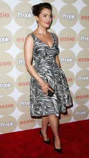Bellamy Young went for a charming '50s look with this swirly-print fit-and-flare dress during People's Ones to Watch party.