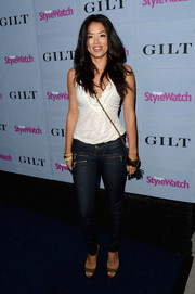 Stephanie Jacobsen paired a white camisole with skinny jeans for a casual-sexy look during the People StyleWatch Denim Awards.