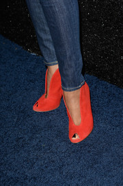 Garcelle Beauvais added a dose of bright color to her ensemble with these modern orange peep-toe pumps when she attended the People StyleWatch Denim Awards.