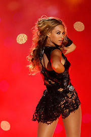 Beyonce's flouncy curls were perfect for her hair-flipping performance at the 2013 Super Bowl.