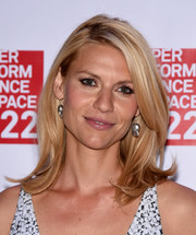 Claire Danes attended the Performance Space 122 Spring Gala looking fab with her bouncy flip.