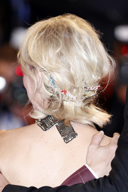 Naomi Watts rocked a messy 'do adorned with multiple bobby pins at the Venice Film Festival premiere of 'The Bleeder.'